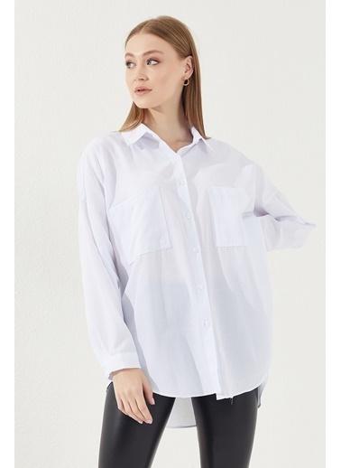 Reyon REYON Kadın Asimetrik Kesim Oversize Gömlek Beyaz Beyaz